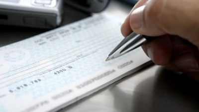 Destinan $ 52 millones de aportes extras a municipios neuquinos
