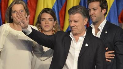 Santos asume su segunda presidencia decidido a alcanzar la paz en Colombia