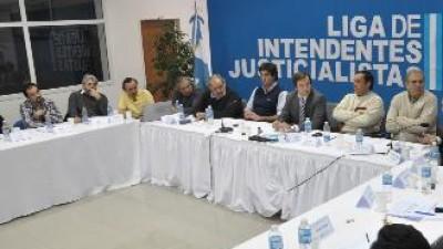 """Intendentes quieren un """"cara a cara"""" conel Gobernador de Río Negro"""