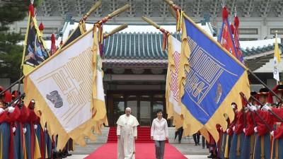 El papa Francisco convocó a las dos Coreas a buscar paz y reconciliación