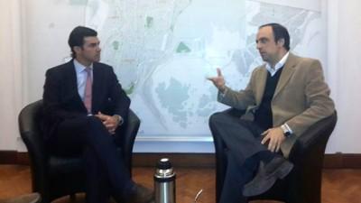 Interés de Santa Fe en la descentralización de recursos y en el voto electrónico implementado en Salta