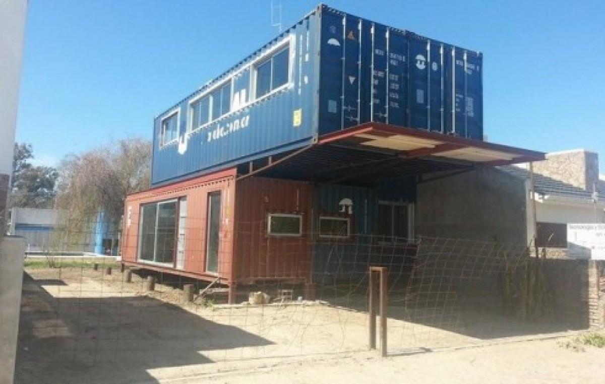 Novedoso en san marcos sud un vecino construye su casa - Casa de contenedores ...