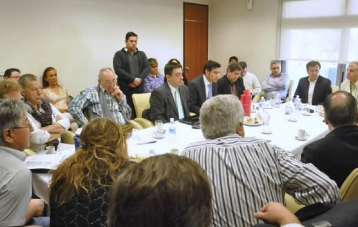 Chubut: Acuerdo entre el Gobierno, intendentes y diputados para avanzar en laley que eleva la coparticipación