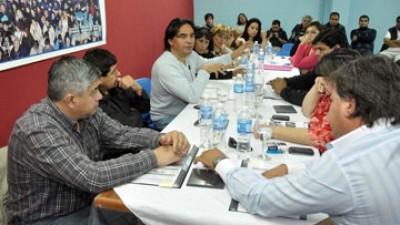 FESOEM impulsa negociación paritaria en todos los municipios de Santa Cruz