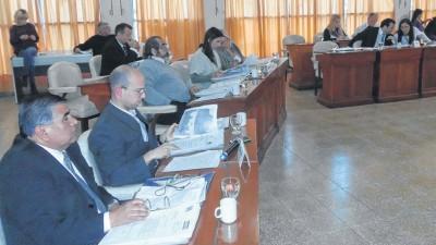 El CD de Punta Alta aprobó la suba del 25% para los políticos