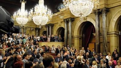 El presidente catalán firmó un histórico decreto que convoca al referéndum independentista