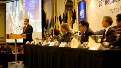 Se inauguró la 18º reunión regional de la OIT, con elogios a la región y críticas a los buitre