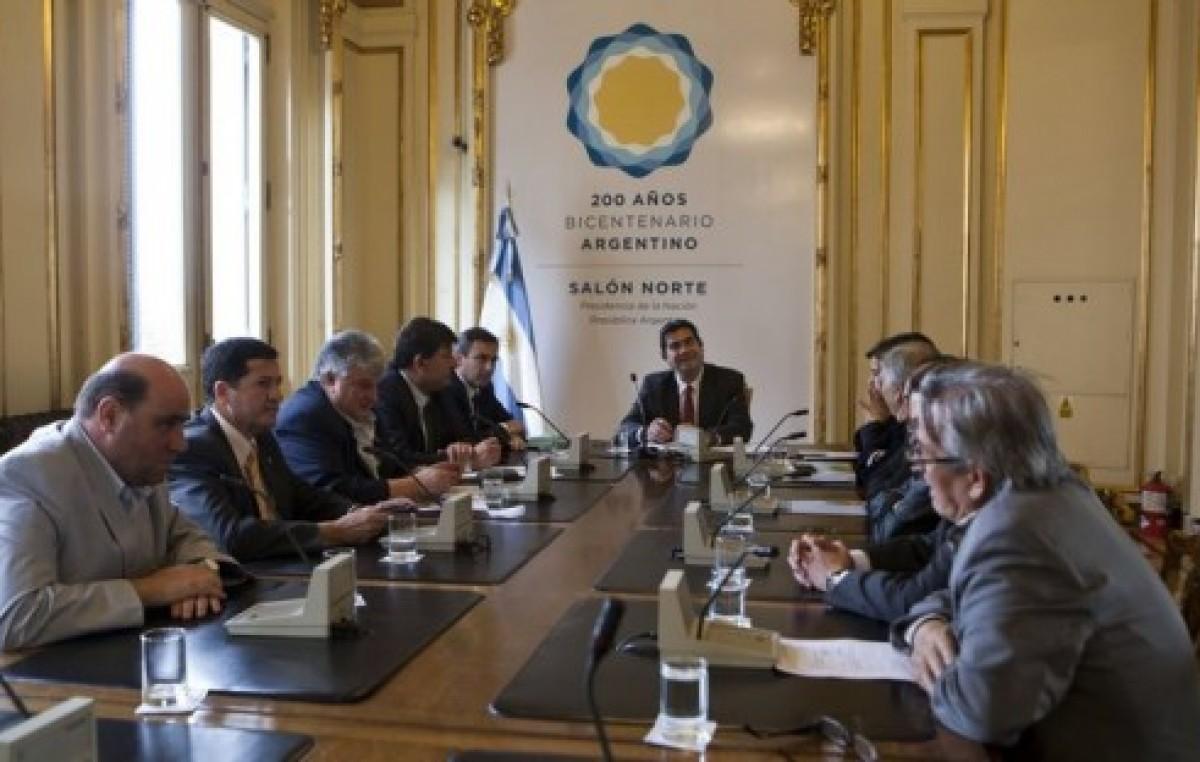 Capitanich recibió a Mestre e intendentes radicales por obras para Córdoba
