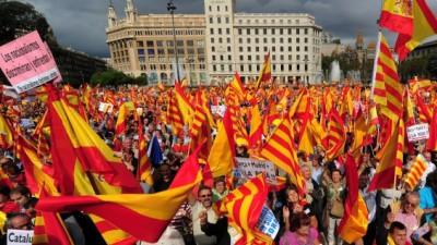 Mas desiste de la consulta y Cataluña busca un plan