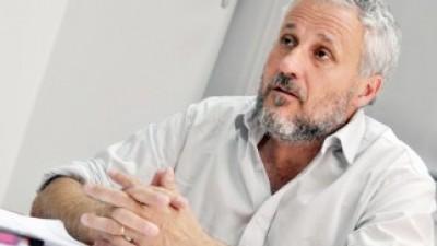Para pagar los sueldos, el Intendente de Plottiervolvió a pedir tres millones de pesos