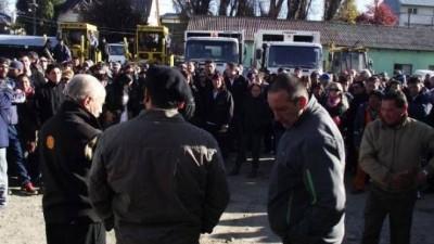 Trabajadores municipales de Bariloche hicieron cuarto intermedio en su asamblea hasta el lunes