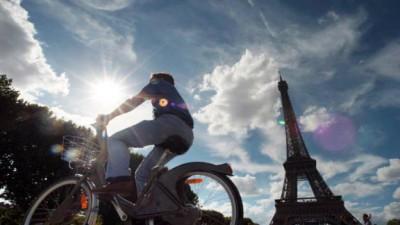 Francia: las empresas le pagarán a los empleados para ir en bici al trabajo