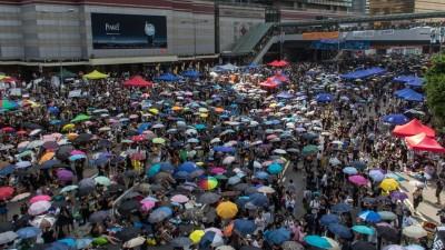 """China: La """"revolución de los paraguas"""", con efectos económicos"""