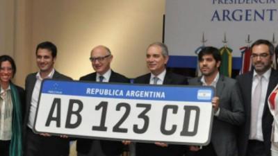 Los vehículos del Mercosur tendrán una patente unificada desde 2016