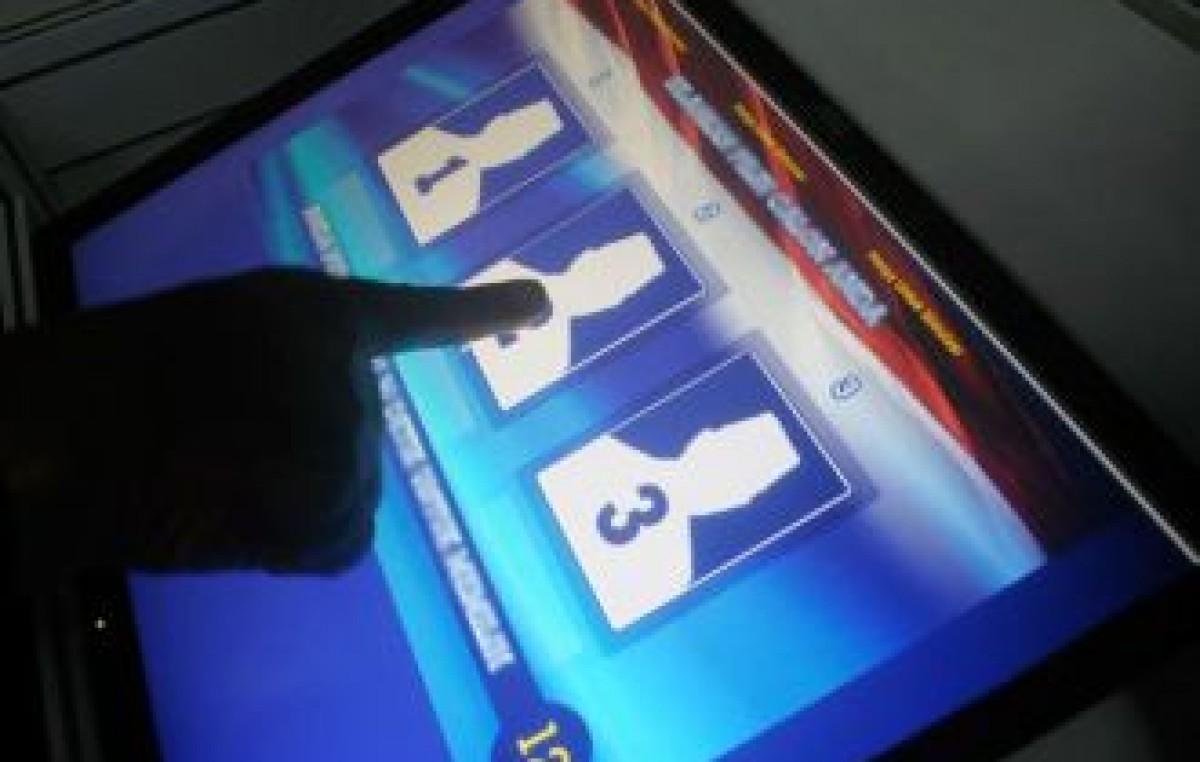 El voto electrónico debuta en Mendoza
