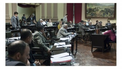 El Gobernador de Saltaalentó a diputados a enfrentar a los intendentes
