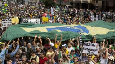 Miles de brasileños protestaron en contra de Rousseff y la corrupción