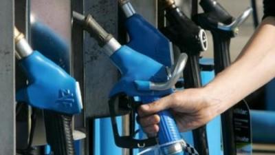 Pergamino da marcha atrás con la tasa a los combustibles, en medio de la polémica