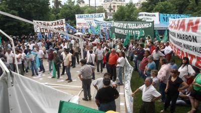 Intendentes Bonaerenses, contra las paritarias municipales