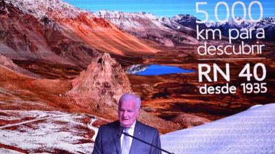 """Presentaron el libro de la carretera más larga del país """"Ruta 40 Columna vertebral del país"""""""