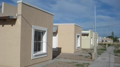 """San Juan: Entregaron 110 viviendas del barrio """"Los Horcones"""""""