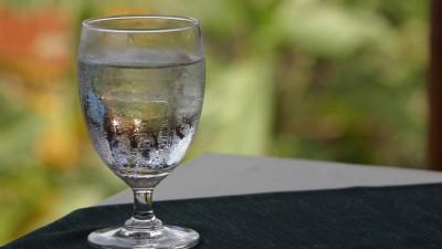 Por ley, en Jujuy ahora es obligatorio que los restaurantes, confiterías y bares ofrezcan agua potable gratis