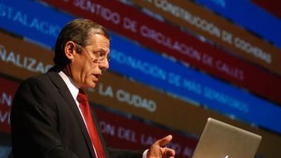 """El Intendente de Neuquénsalió a defender la """"privatización"""" de las tasas"""