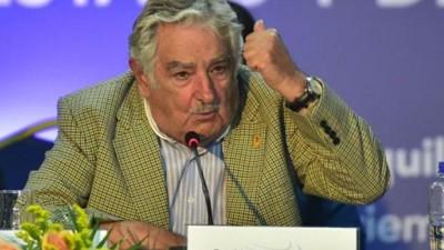 Mujica reclamó a Obama el fin del bloqueo a Cuba