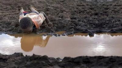 Un niño muere en el mundo cada 20 segundos por falta de agua potable