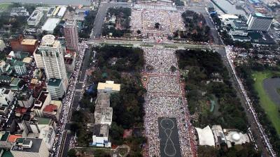 El papa Francisco celebró la misa más multitudinaria de la historia