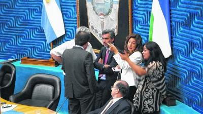 Prórrogas petroleras: el Gobernador de Río Negromanejará fondos de los municipios