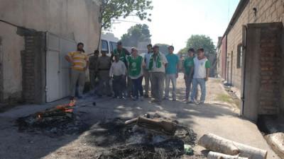 Sigue la protesta en la comuna de La Adela: dictan la conciliación obligatoria para el 26