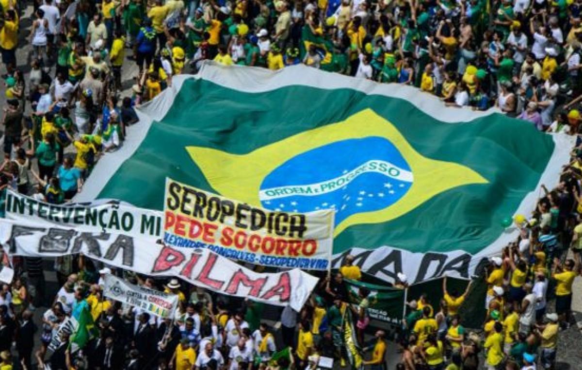 Brasil: protestas contra Dilma Rousseff reúnen a miles de manifestantes