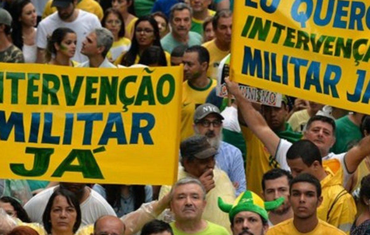 La crisis del real y un escándalo de corrupción mantienen contra las cuerdas a Dilma