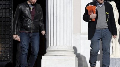 """Grecia debió cambiar negociadores por presión de la """"troika"""""""
