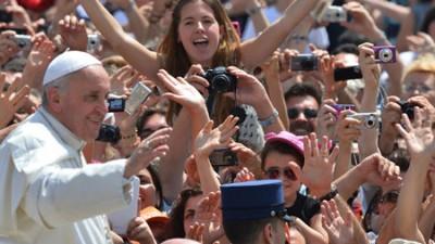 El Papa Francisco pide igualdad de salario para las mujeres