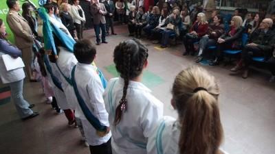 Celebraron el cincuentenario de la Escuela Municipal 3 de Mar del Plata