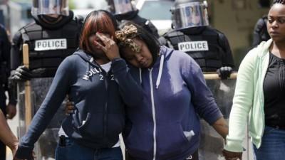 Tropas desplegadas y tensión en Baltimore