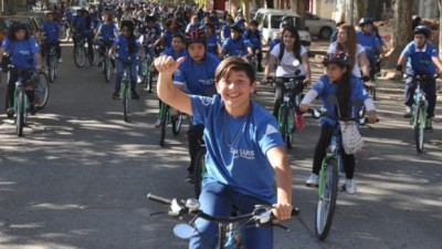 Casi 900 alumnos invadieron la ciudad de Villa Mercedes con sus nuevas bicis