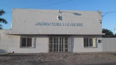 """Empleados municipales de Pirané aseguran que no tienen """"sueldos de hambre"""""""