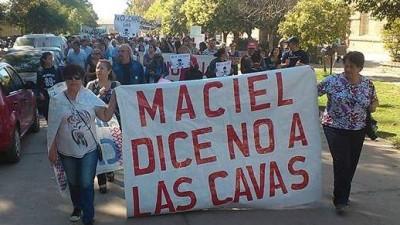 La comuna de Maciel llamará ahora a un plebiscito por las polémicas cavas