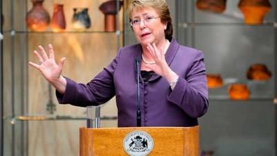 Bachelet firma proyecto que modifica el funcionamiento de partidos políticos