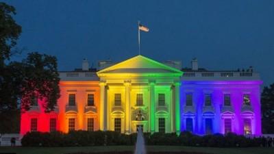 La Casa Blanca se iluminó con los colores del arco iris celebrando el matrimonio igualitario