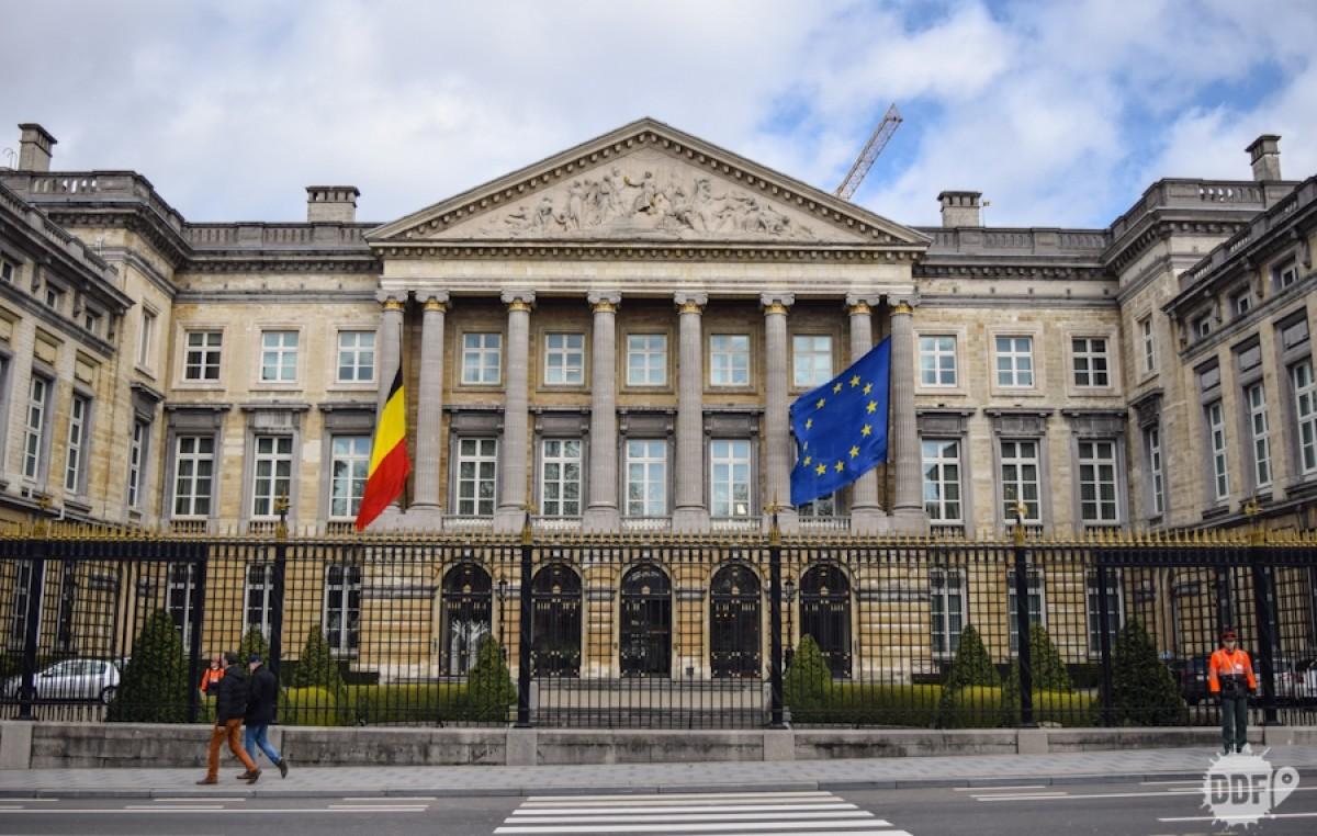 Tras el caso argentino, el Parlamento belga aprobó en comisión la ley que limita el poder de los fondos buitre