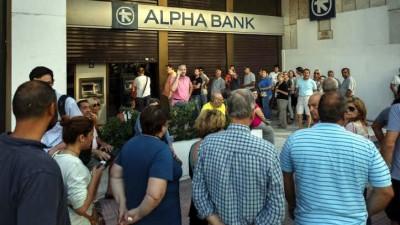 """""""Corralito"""" en Grecia: cierran bancos y limitan extracciones"""