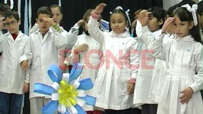 Alumnos de Paraná interpretaron el Himno Nacional a través de lenguaje de señas