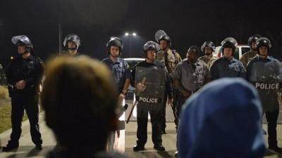 En lo que va del año, la policía estadounidense mató con armas de fuego a cerca de 400 personas