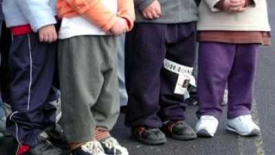 España: uno de cada 10 menores vive en una situación de pobreza crónica