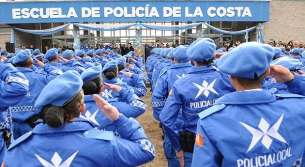 20150710181658_egreso_policia_local_la_costa