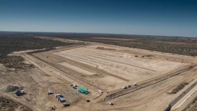 Ya construyen en el río Mendoza los primeros reservorios de agua
